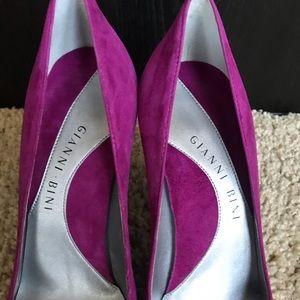 Gianni Bini Shoes - Gianni Bini Suede Heels 8.5M